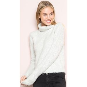 Brandy Melville Cassia turtleneck knit sweater